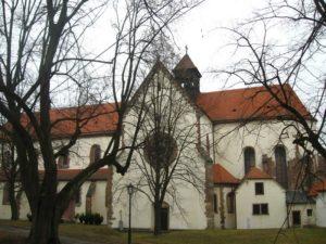 Монастырь Порта Коели. Базилика
